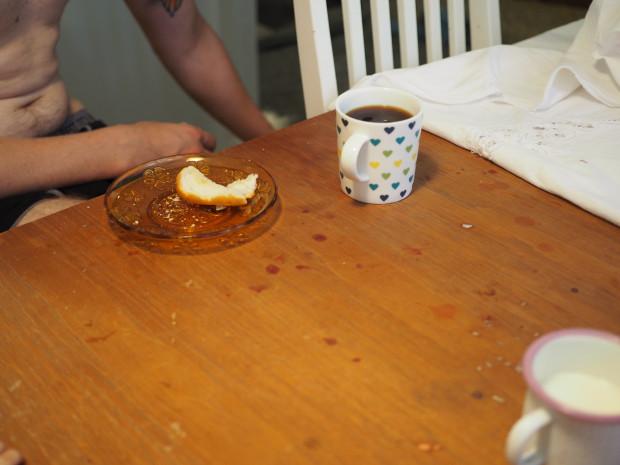 Rakas aviomies sai hääpäiväaamuna kahvia sydänkupista ja kyytipojaksi valkosipulipatonkia