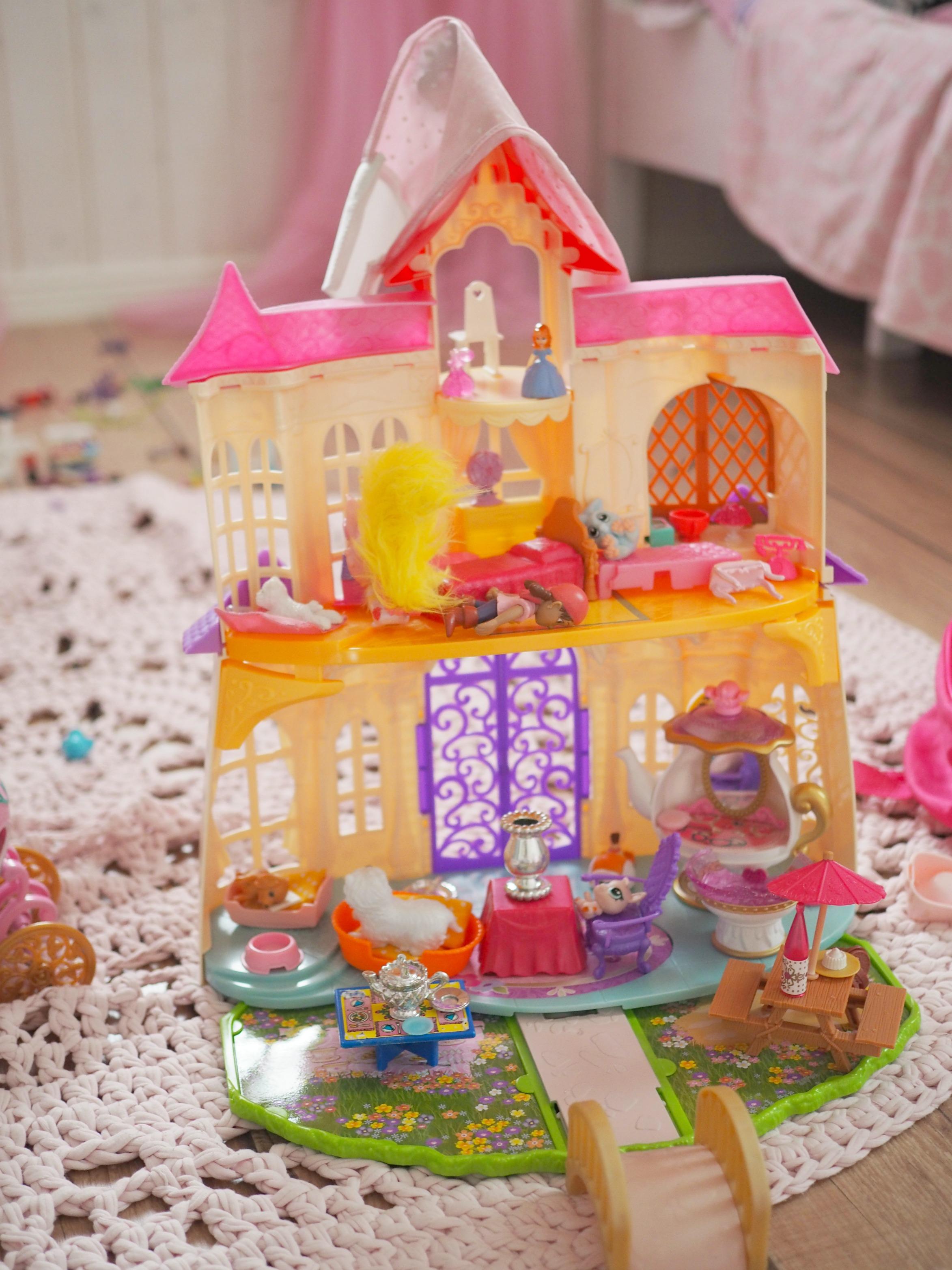 Prinsessa Sofia linna, jonka Amalia halusi teille lukijoille esitellä!