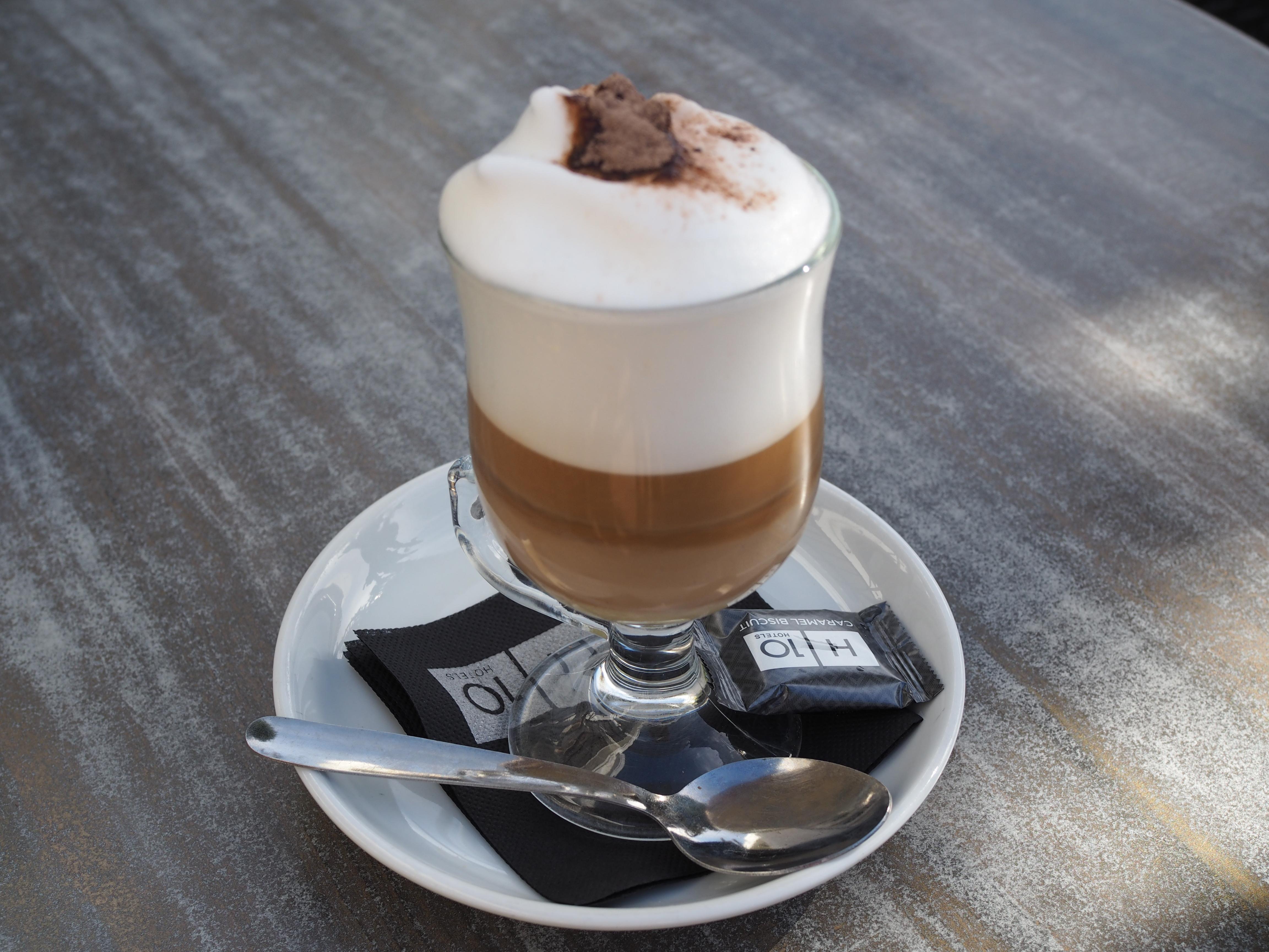 Hotellin ihanasta kahvilasta kahvi!