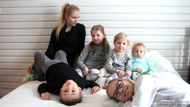 aiti-ja-melukylan-lapset-perhe