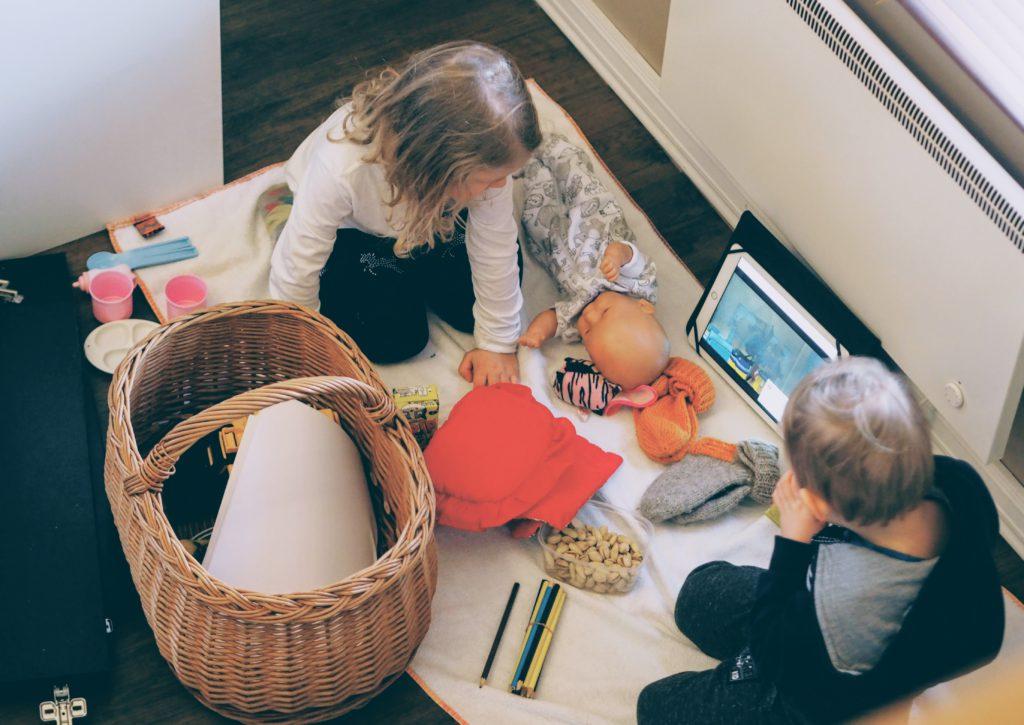 Lasten piknik työmaalla