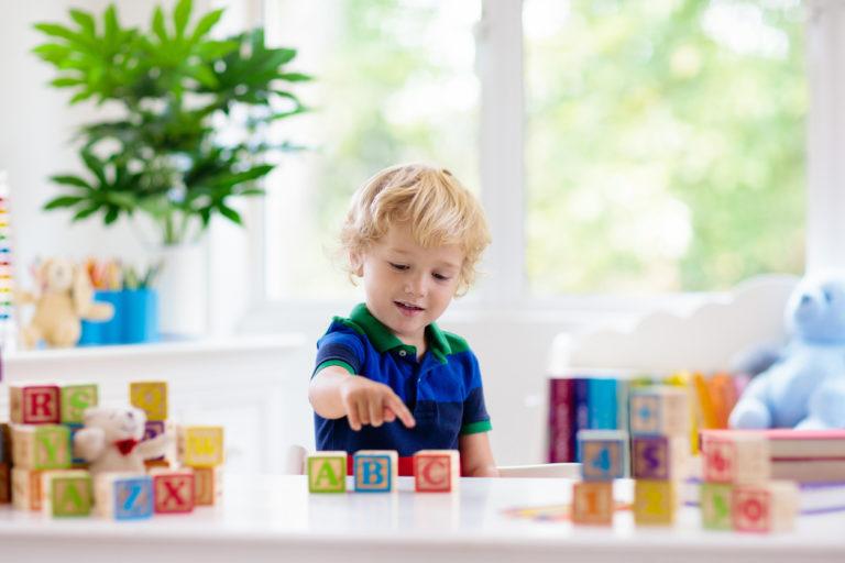 r-vika ei tarkoita sitä, että lapsen puheen kehitys olisi myöhässä