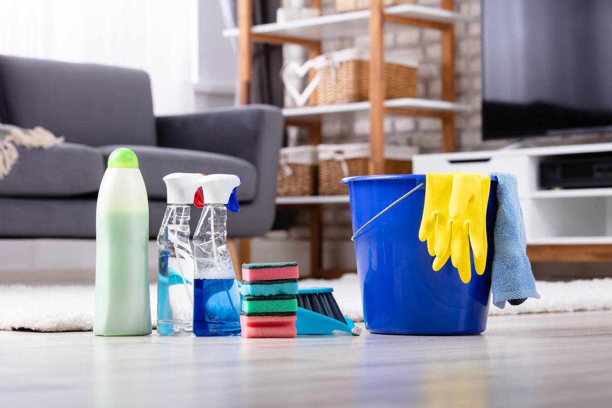 Siivousvälineitä