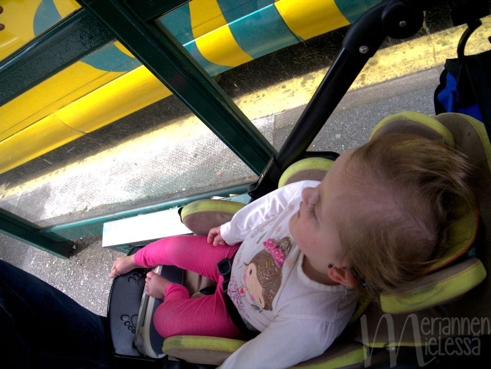 vammainen_bussipysakilla
