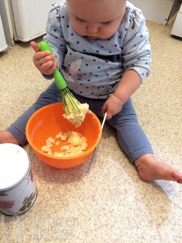 vauva_leipoo_itse