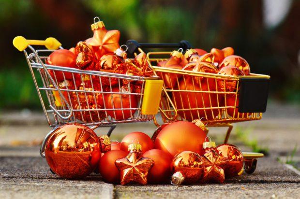 christmas-shopping-1088239_1920