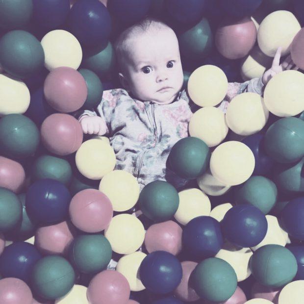 Pallomeri vauva