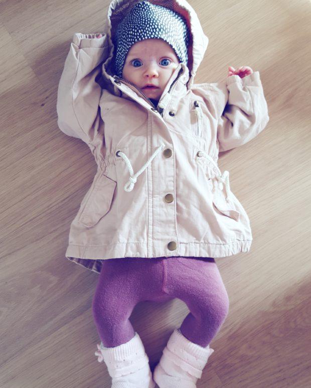 Tyttövauva takki