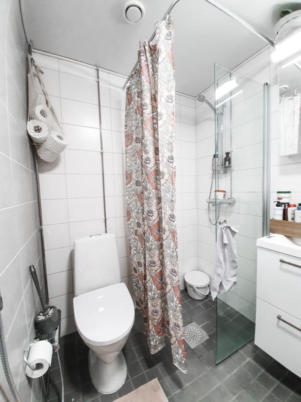 Säilytysratkaisut pieni kylpyhuone