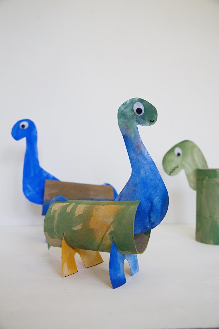 brontosaurus dinosaurus askartelu