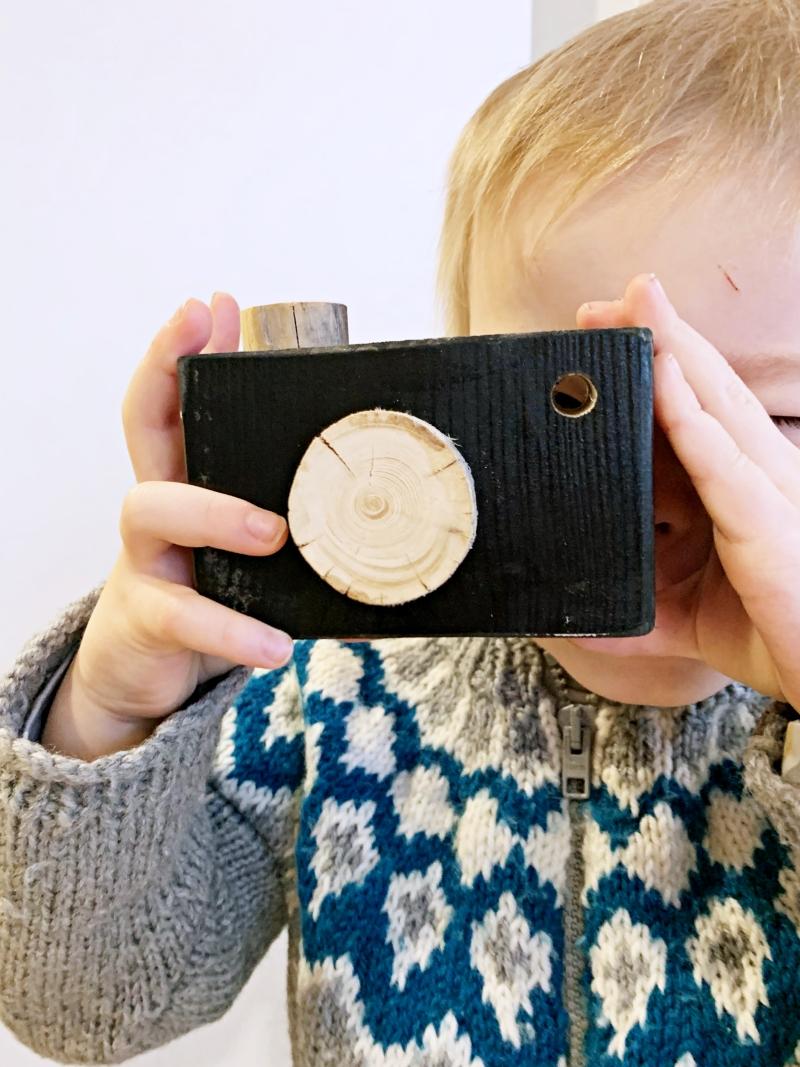 puinen leikki-kamera