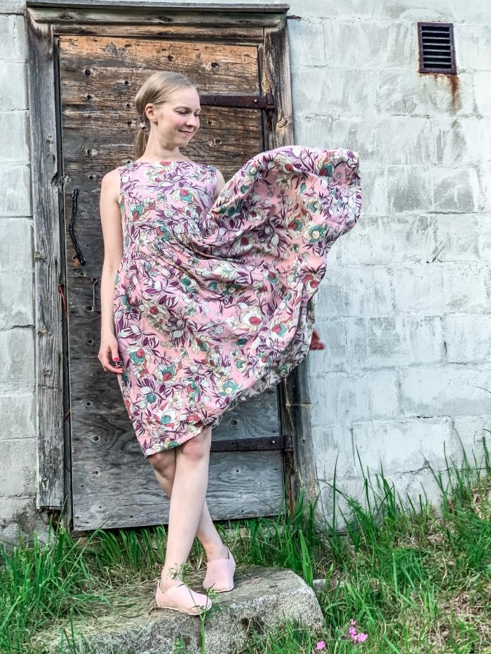 viskoosi mekko