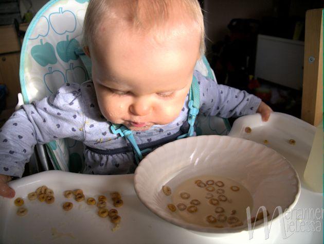 vauva_aamupalalla