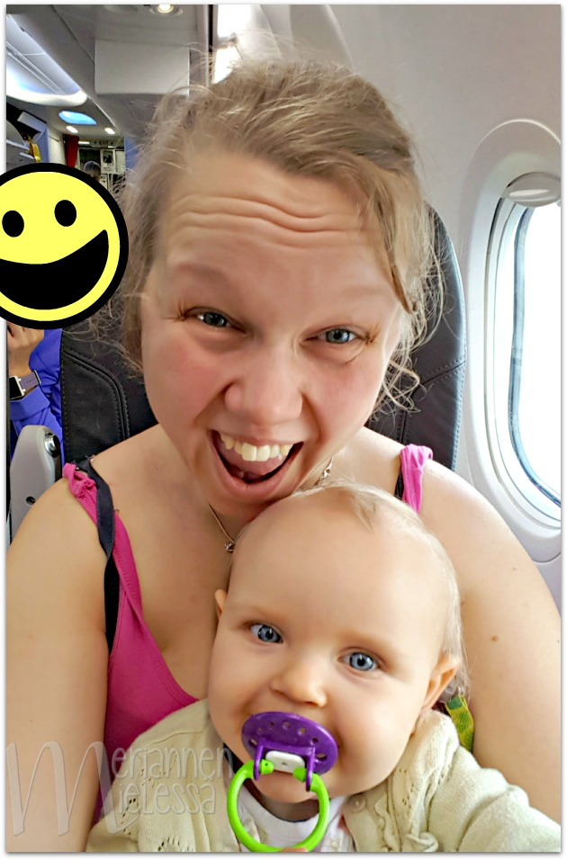 vauva_lentokoneessa