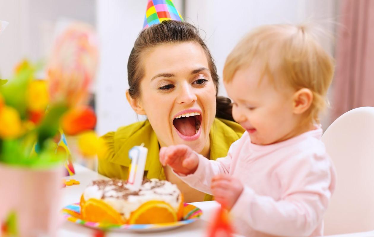 Lapsen 1-vuotissynttärit: näin järjestät ikimuistoiset juhlat