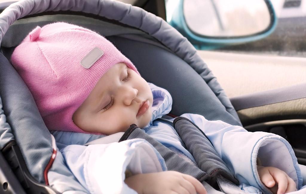 4 vinkkiä turvalliseen autoiluun lapsen kanssa