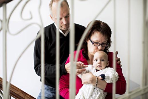 Sanna ja Jari ovat nyt Eemilin onnelliset vanhemmat.