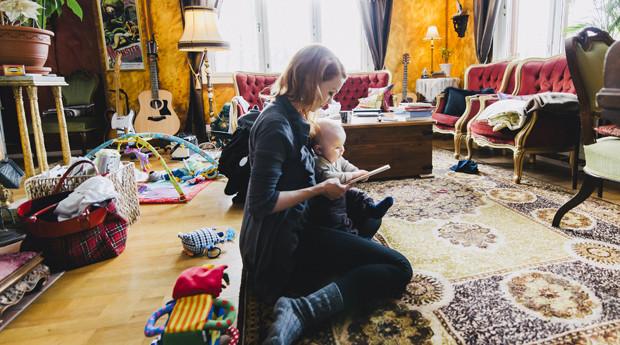 Heta Hyttinen ja vauva