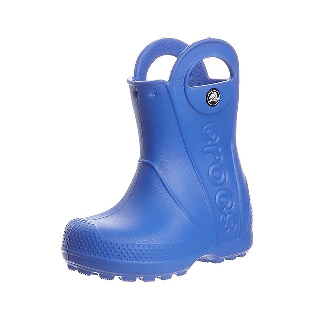 Crocsit on helppo vetää jalkaan kahvoista, 34,95 e, crocs.fi.