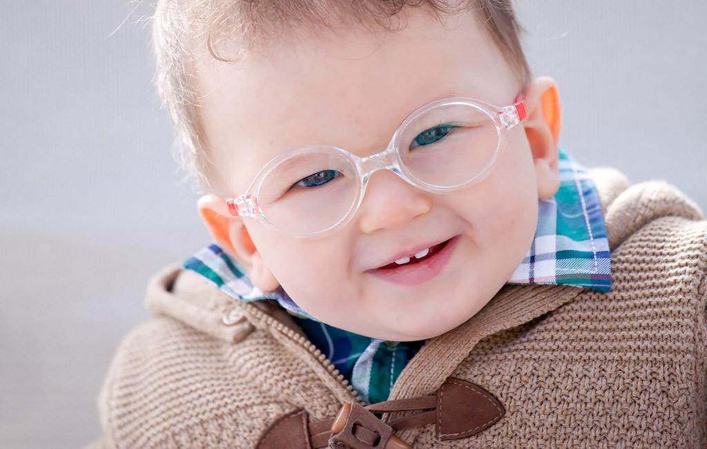 Milloin vauva tarvitsee silmälasit?