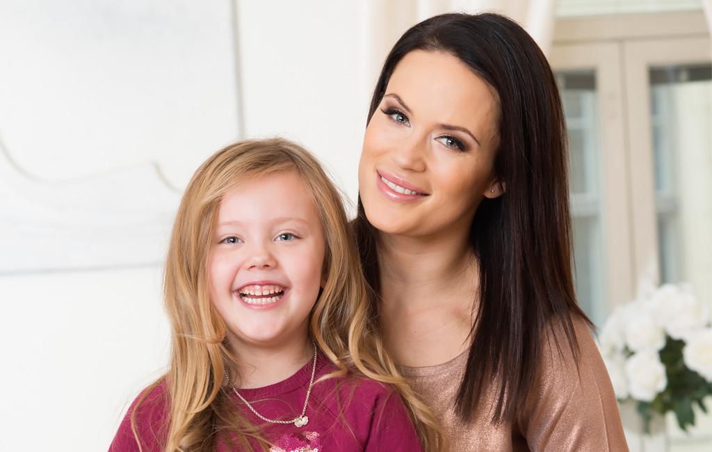 Martina Aitolehti ja hänen tyttärensä Victoria