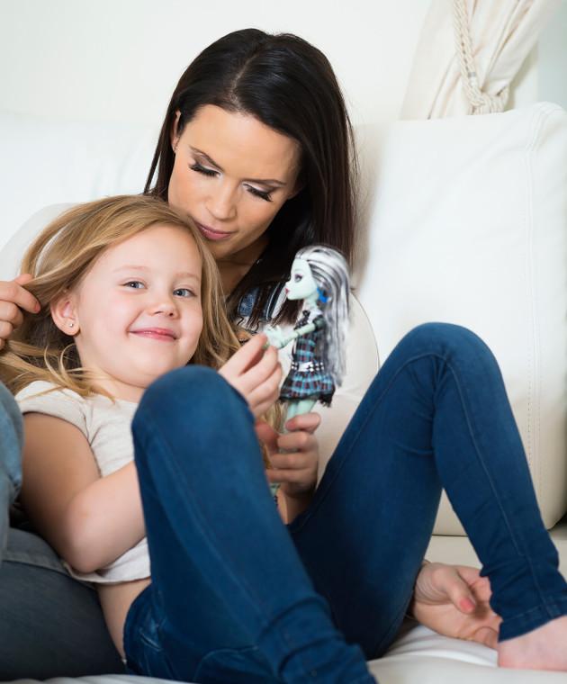 Victoria sai kuusivuotislahjaksi toivomansa Monster High -nuken.
