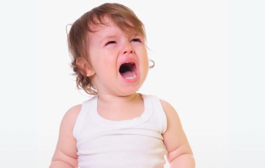 Mitä tehdä, kun lapsi kiukuttelee puettaessa?