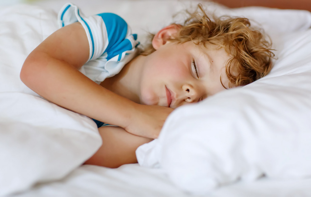 10 keinoa: näin saat lapsen nukkumaan