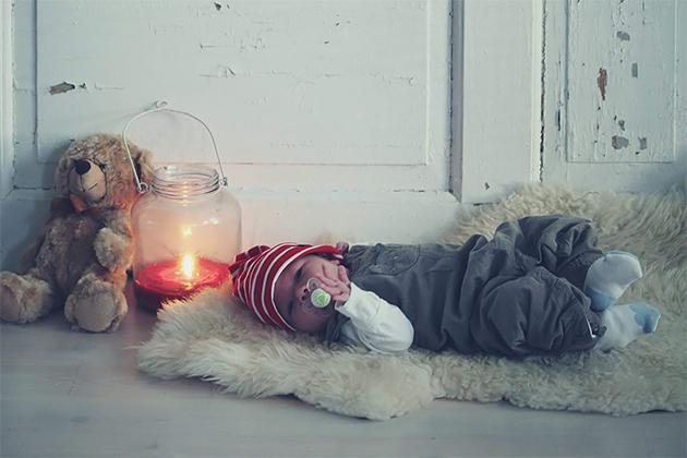Viisi viikkoa vanha tonttupoika, Sara Maunumäki