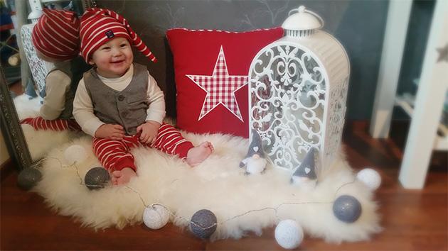 7kk ikäinen Eemi-tonttu toivottaa kaikille hyvää joulua, Riikka Salonen