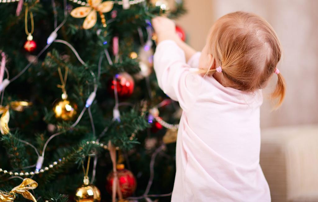 Pienten lasten vanhempi: Näin vältät viime hetken joulustressin