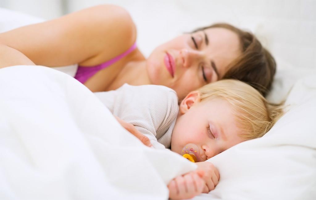 Ensimmäisen ja toisen lapsen hoitaminen poikkeaa toisistaan