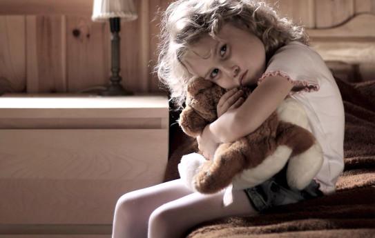 Periytyykö yksinäisyyteni lapselleni?
