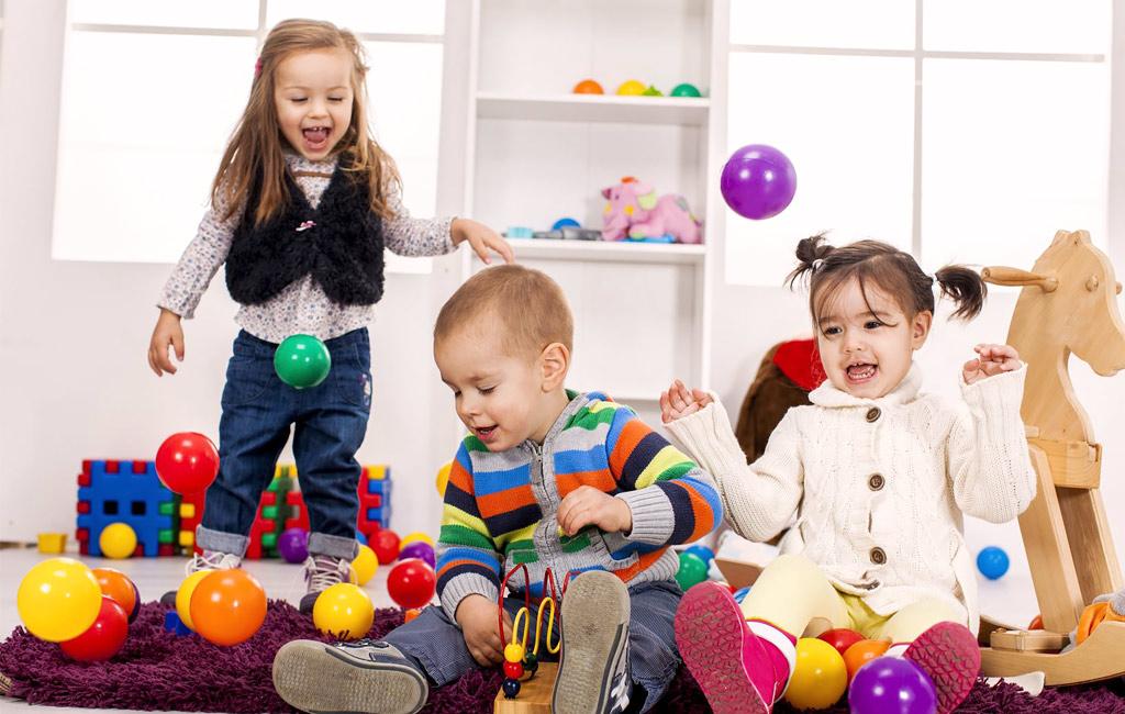 Lapsi menossa uuteen päiväkotiryhmään