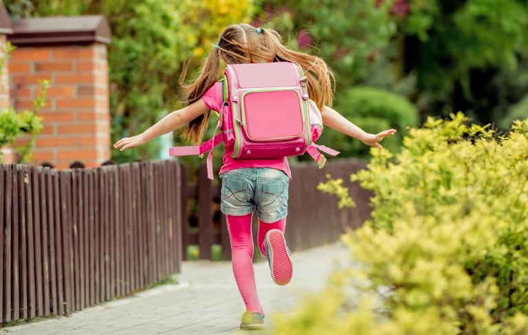 Milloin kannattaa lykätä tai aikaistaa koulun aloitusta?
