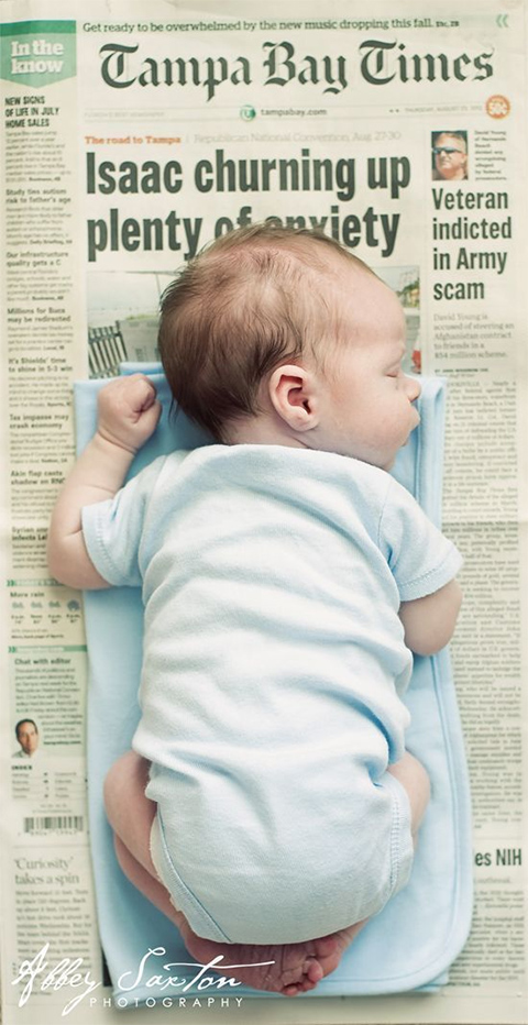 Syntymäilmoitus sanomalehdellä, Abbey Saxton Photography