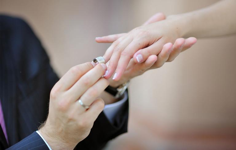 Miksi mennä naimisiin?
