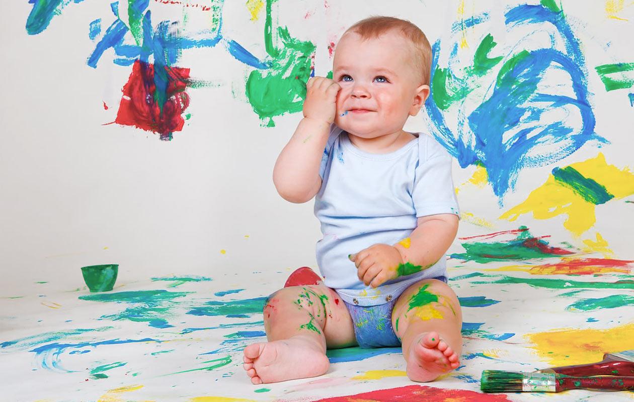 Näin pidät vauvalle värikylvyn kotona