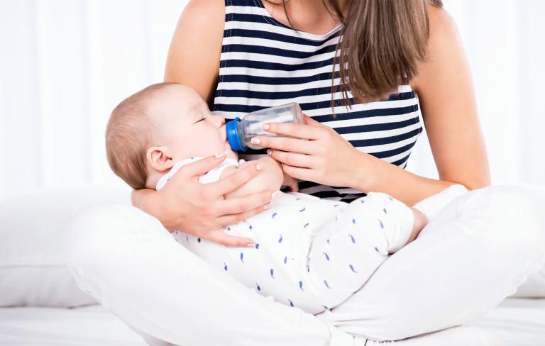 Näin hoidat vauvaa kesällä