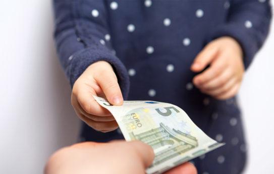 Näin opetat lapselle rahan käyttöä ja arvoa