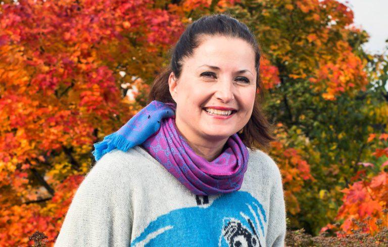 """Huono Äiti -bloggaaja Sari Helin: """"Pikkukakkosseksi on vaativa rasti"""""""