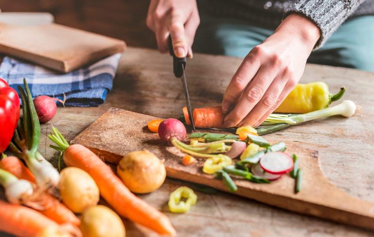 Äiti testasi kasvisruokakirjan – Kasvisruokaa nirsoilijoille