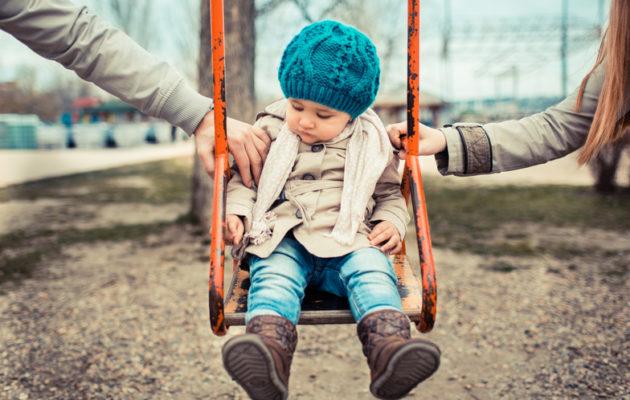 Avioero kuumentaa usein tunteita, jolloin voi unohtua, mikä tapa toimia olisi lapsen kannalta parasta.