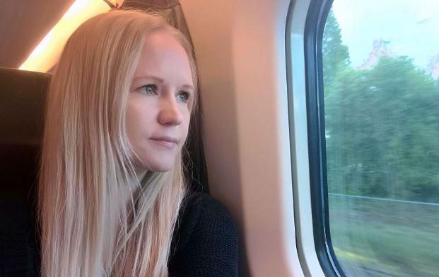 Yksinäisyys voi tulla tutuksi, vaikka ympärillä olisi perhe ja lapsetkin, bloggari Hanna tietää.