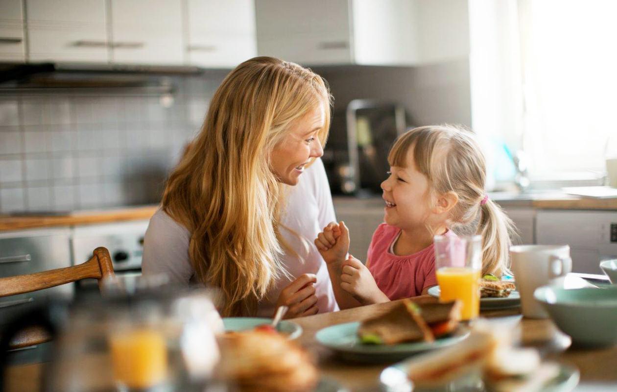 Syömään! – Näin luot perheellesi mukavan ruokahetken
