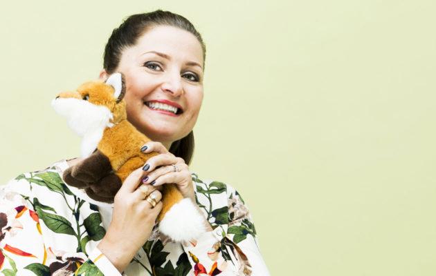 Huono Äiti -blogin Sari Helin aloitti Kaksplussan kolumnistina.