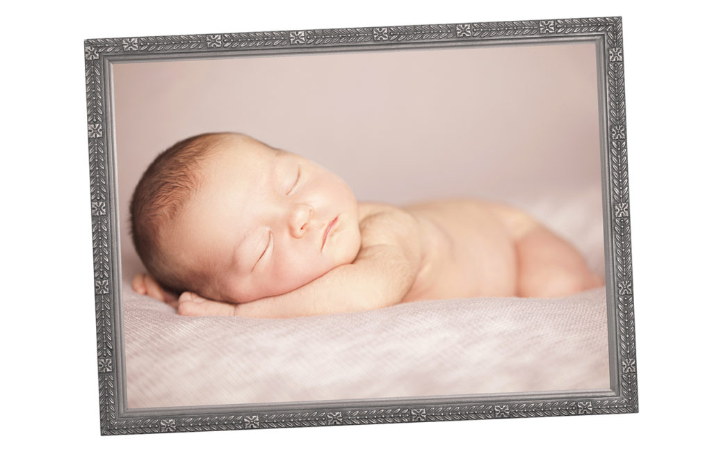 kehystetty valokuva vauvasta