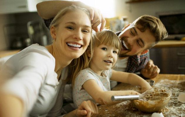 Äitiysloma on arkikielen ilmaus perhevapaille.