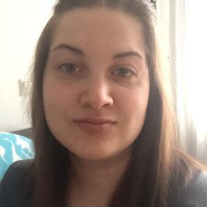 Kahden lapsen äiti Katherine, 28, Turku