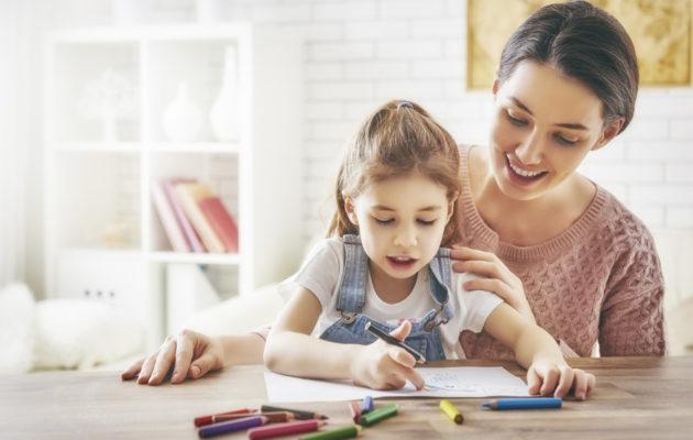 Onko lapsen kanssa pakko leikkiä? Psykoterapeutti vastaa